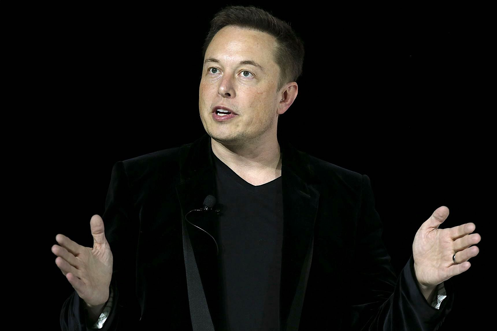 OH YES HE DID: Elon Musk Has Deleted Tesla and SpaceX's Facebook Pages