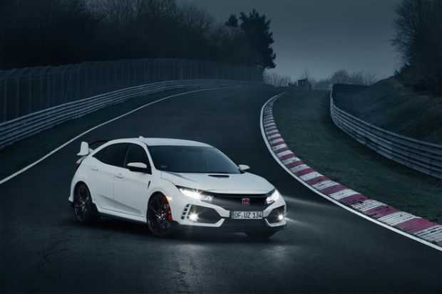 2017-Honda-Civic-Type-R-front-three-quarter-01.jpg