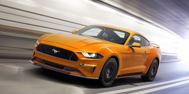 new-ford-mustang-v8-gt-with-performace-pack-in-orange-fury-1-1500912917