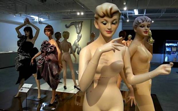 fashion-mannequins-exhibit