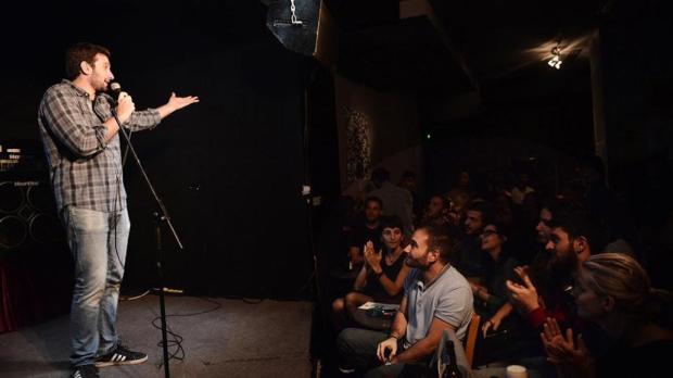 greek-standup-comedy.jpg